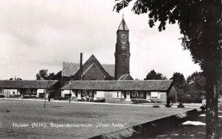 """Ansichtkaart Huizen Bejaardencentrum """"Voor-Anker"""" met Kerk HC2743"""