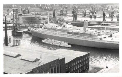 Ansichtkaart 's-Gravenhage Fotokaart Madurodam Haven en schepen Den Haag HC2819