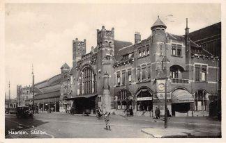 Ansichtkaart Haarlem Station Tram en auto Spoorwegen 1931 HC2868
