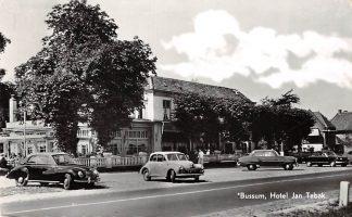 Ansichtkaart Bussum Hotel Jan Tabak Auto 1958 HC2898