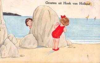 Ansichtkaart Hoek van Holland Groeten uit 1925 Kinderen op het strand HC3016