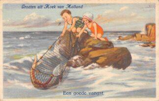 Ansichtkaart Hoek van Holland Groeten uit 1925 Een goede vangst HC3017