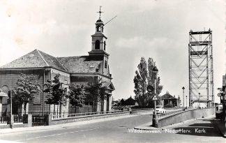 Ansichtkaart Waddinxveen Ned. Hervormde Kerk en Brug over de Gouwe HC3030