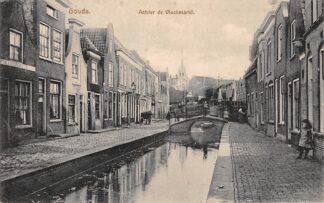 Ansichtkaart Gouda Achter de Vischmarkt met Vischbrug en Stadhuis HC3082
