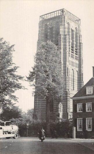Ansichtkaart Vught Fotokaart Kerk met betonmolen auto HC3174