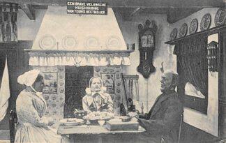 Ansichtkaart Apeldoorn Een Veluwsche Keuken vanuit de Grot aan den Prinses Julianatoren 1920 Klederdracht Veluwe HC3219