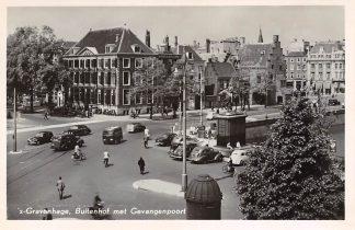 Ansichtkaart 's-Gravenhage Buitenhof met Gevangenpoort en auto 1954 Den Haag HC3241