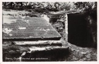 Ansichtkaart Diever Onderduikershol met gedenksteen WO-2 HC3377