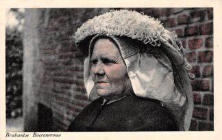 Ansichtkaart Noord-Brabant Dorpsleven Brabantse Boeren vrouw Klederdracht HC3490