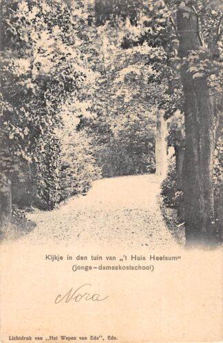 """Ansichtkaart Heelsum Kijkje in den tuin van """"t Huis Heelsum"""" (jonge-dameskostschool) HC3886"""