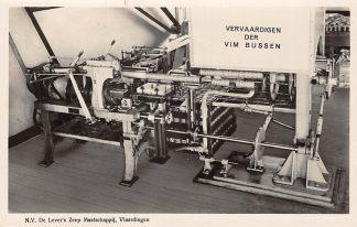 Ansichtkaart Vlaardingen N.V. De Lever's Zeep Maatschappij Vervaardigen der VIM bussen Reclame HC4039