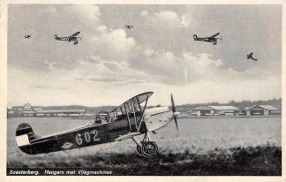 Ansichtkaart Soesterberg Hangars met Fokker Vliegmachines Vliegveld Vliegtuigen Luchtvaart 1932 HC4043