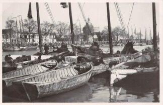 Ansichtkaart Enkhuizen Haven 1954 Vissers schepen Binnenvaart HC4288