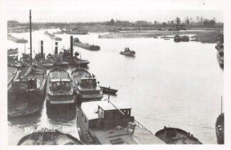 Ansichtkaart Maasbracht Haven 1950 Binnenvaart schepen Sleepboten HC4365
