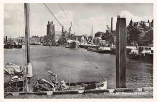 Ansichtkaart Dordrecht Binnenkalkhaven met binnenvaart schepen Scheepvaart 1958 HC4397