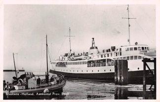 Ansichtkaart Breskens Aankomst Provinciale Boot 1955 Veer pont Scheepvaart Binnenvaart schepen HC4501
