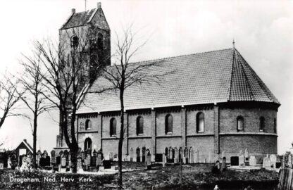 Ansichtkaart Drogeham Ned. Hervormde Kerk met begraafplaats Boven Drachten HC4655