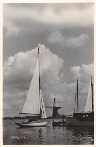 Ansichtkaart Reeuwijk ? Zeilsport Zeil schepen Molen HC4678