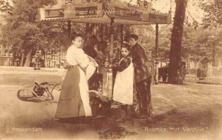 Ansichtkaart Amsterdam Momentopname uit het Amsterdamsche Straatleven Roomijs met vannille!! 1910 HC4843