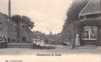Ansichtkaart Stolwijkersluis met uitzicht op Molen Het Slot in Gouda HC4956