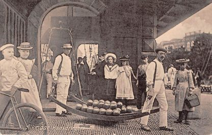 Ansichtkaart Alkmaar Kaasdragers 1906 Straatleven Volksleven Markt HC5015