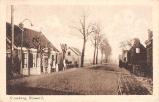 Ansichtkaart Rijsoord Straatweg met Sigaren winkel Tabak HC5063