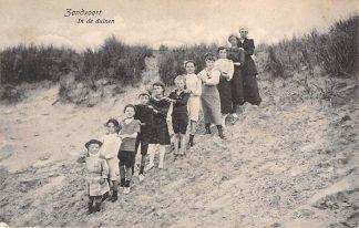 Ansichtkaart Zandvoort In de duinen Rij kinderen 1917 HC5124