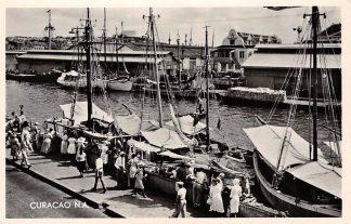 Ansichtkaart Curacao Schooner Market Vis markt Schepen Nederlandse Antillen Noord-Amerika HC5245