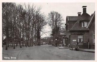 Ansichtkaart Norg Brink Drenthe Bonds hotel en Garage Karsten Esso Benzinepomp 1947 Drenthe HC5406