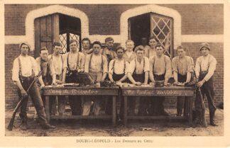 Ansichtkaart Belgie Beverloo De Lustige Wasschers Leopoldsburg Bourg-Leopold Les Zwanzes au Camp Militair Soldaten Europa HC5413