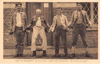 Ansichtkaart Belgie Beverloo Militair Kamp Het laatste der maand Soldaten zijn platzak Leopoldsburg Bourg-Leopold Europa HC5417
