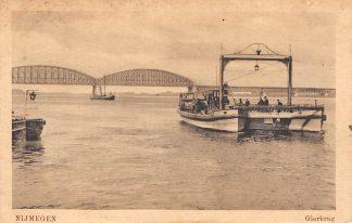 Ansichtkaart Nijmegen Gierburg Veer pont Scheepvaart Schepen Spoorbrug Militair verzonden 1917 HC5436