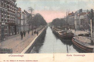Ansichtkaart 's-Gravenhage Korte Groenwegje met binnenvaart schepen scheepvaart HC5637