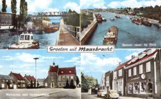 Ansichtkaart Maasbracht Groeten uit Sluis Binnenvaart schepen Marktplein Havenstraat VW Auto HC5667