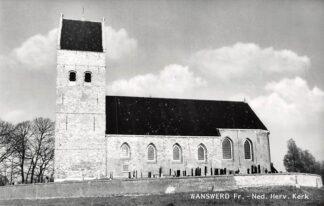 Ansichtkaart Wanswerd Friesland Ned. Herv. Kerk met begraafplaats HC5682