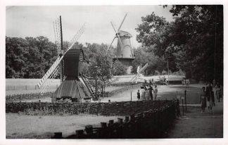 Ansichtkaart Arnhem Openluchtmuseum Molen Spinnenkop Gorredijk Tjasker molen Wouterswoude en Bovenkruier Korenmolen Delft. 1955 HC5691