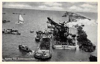 Ansichtkaart Harderwijk Aanleg dijk Zuiderzeewerken Flevoland Binnenvaart schepen HC5836