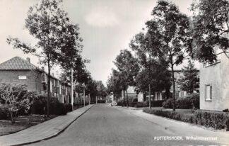 Ansichtkaart Puttershoek Wilhelminastraat met VW Auto 1966 HC5877