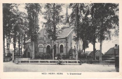 Ansichtkaart 's-Gravendeel Ned. Hervormde Kerk HC5883