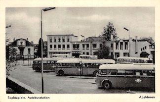 Ansichtkaart Apeldoorn Auto bus station Sophiaplein 1959 HC5998