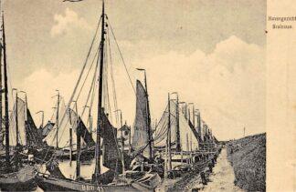 Ansichtkaart Bruinisse Havengezicht Vissers schepen Bru 45 HC6142