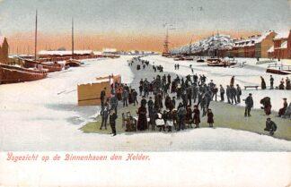Ansichtkaart Den Helder IJs gezicht op de Binnenhaven Schaatsen Winter HC6213