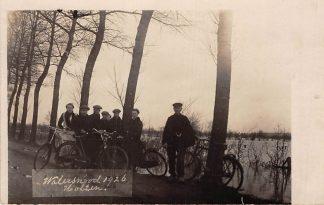 Ansichtkaart Holten Fotokaart Watersnood 1926 met fietsers HC6277