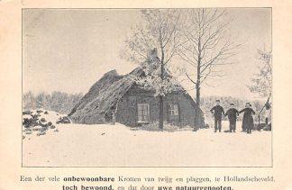 Ansichtkaart Hollandscheveld Drenthe Een der vele onbewoonbare Krotten van twijg en plaggen Hoogeveen HC6386