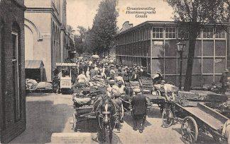 Ansichtkaart Gouda Houtmansgracht Groentenveiling Paard en wagen IJsverkoper Gompers HC6407