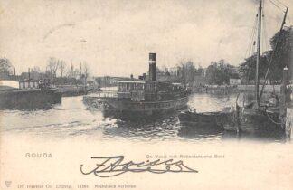 Ansichtkaart Gouda Hollandsche IJssel met Stoomboot Reederij De IJssel op weg naar Rotterdam met beschadigde achterkant Binnenvaart schepen Scheepvaart 1902 HC6449