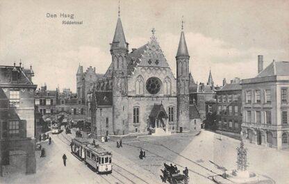 Ansichtkaart Den Haag Ridderzaal met trams en paard en wagen HTM Tram Lijn 3 No. 15 HC6494