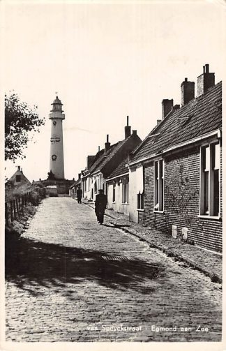 Ansichtkaart Egmond aan Zee Vuurtoren en van Speyckstraat 1954 HC6632