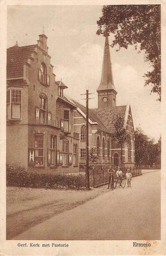 Ansichtkaart Ermelo Gereformeerde Kerk met Pastorie HC6638