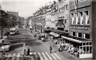 Ansichtkaart Maastricht Vrijthof Hotels Auto Bus VW HC6643